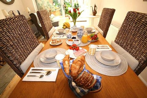 Frühstück im B&B Beth, London