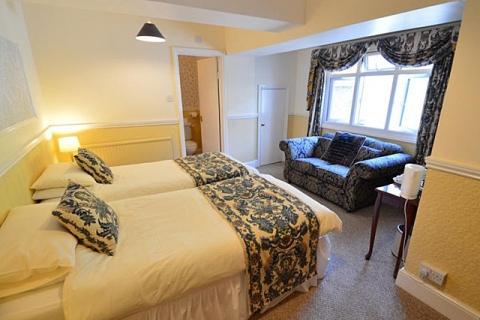 Zweibettzimmer 2