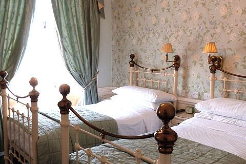 Zweibettzimmer 7