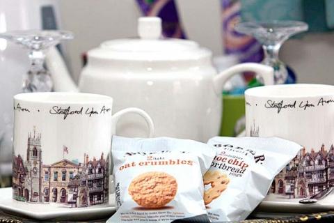 Tee-Kaffee-Set im Zimmer