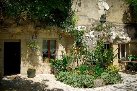 Fassade der Troglo-Zimmer