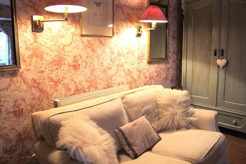 Rosa Zweibettzimmer
