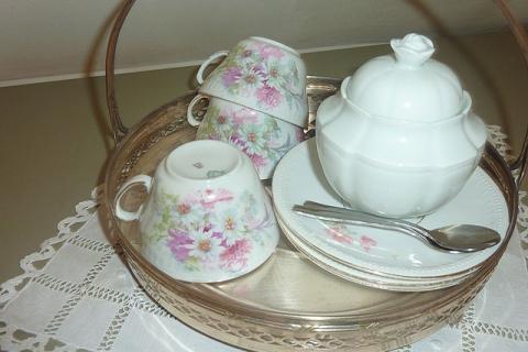 Tee-Kaffee-Set in einem der Zimmer