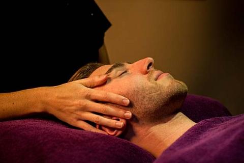 Massage im Wellnessbereich