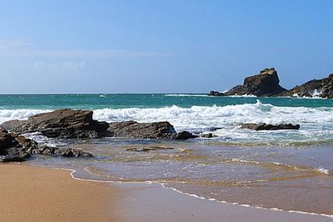 Ein Strand in der Nähe