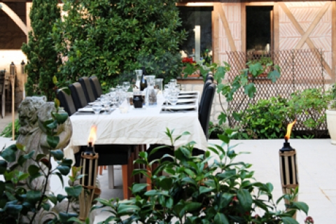 Abendessen im Innenhof