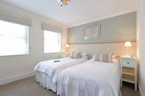 Ein Standard Doppel-/ Zweibettzimmer