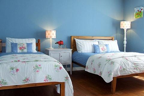 Doppel- und Einzelbett im Blauen Fam.zimmer