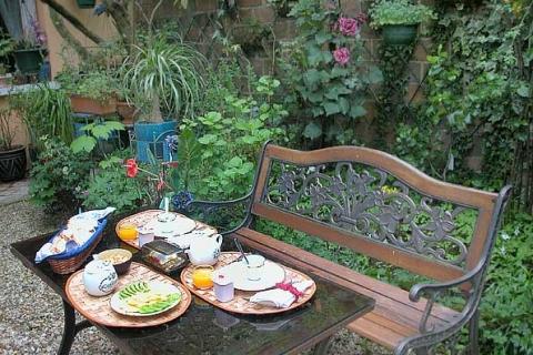 Gartenfrühstück