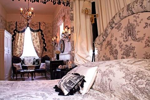 Himmelbettzimmer-Suite 6