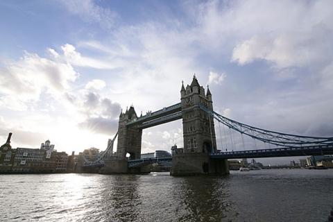 Die Tower Bridge ist in der Nähe