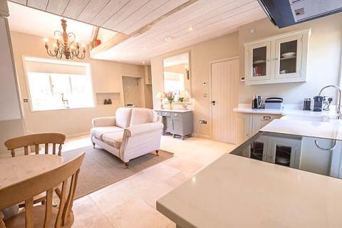 Wohn-/ Esszimmer mit Küche