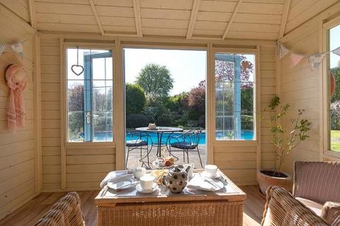 Gartenhaus & Pool
