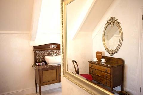 Doppel-/ Zweibettzimmer-Suite