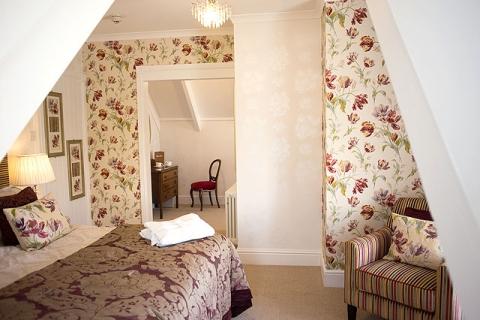 Doppel-/ Zweibettzimmer Suite
